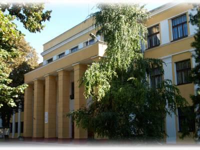 Сотрудники и студенты физико-математического факультета принимали активное участие в Республиканских педагогических чтениях, проводимых ИРОиПК