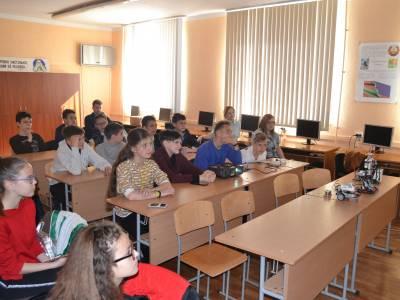 Школа робототехники посетила ТСШ№9